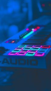 Превью обои неон, клавиши, аппаратура, аудио