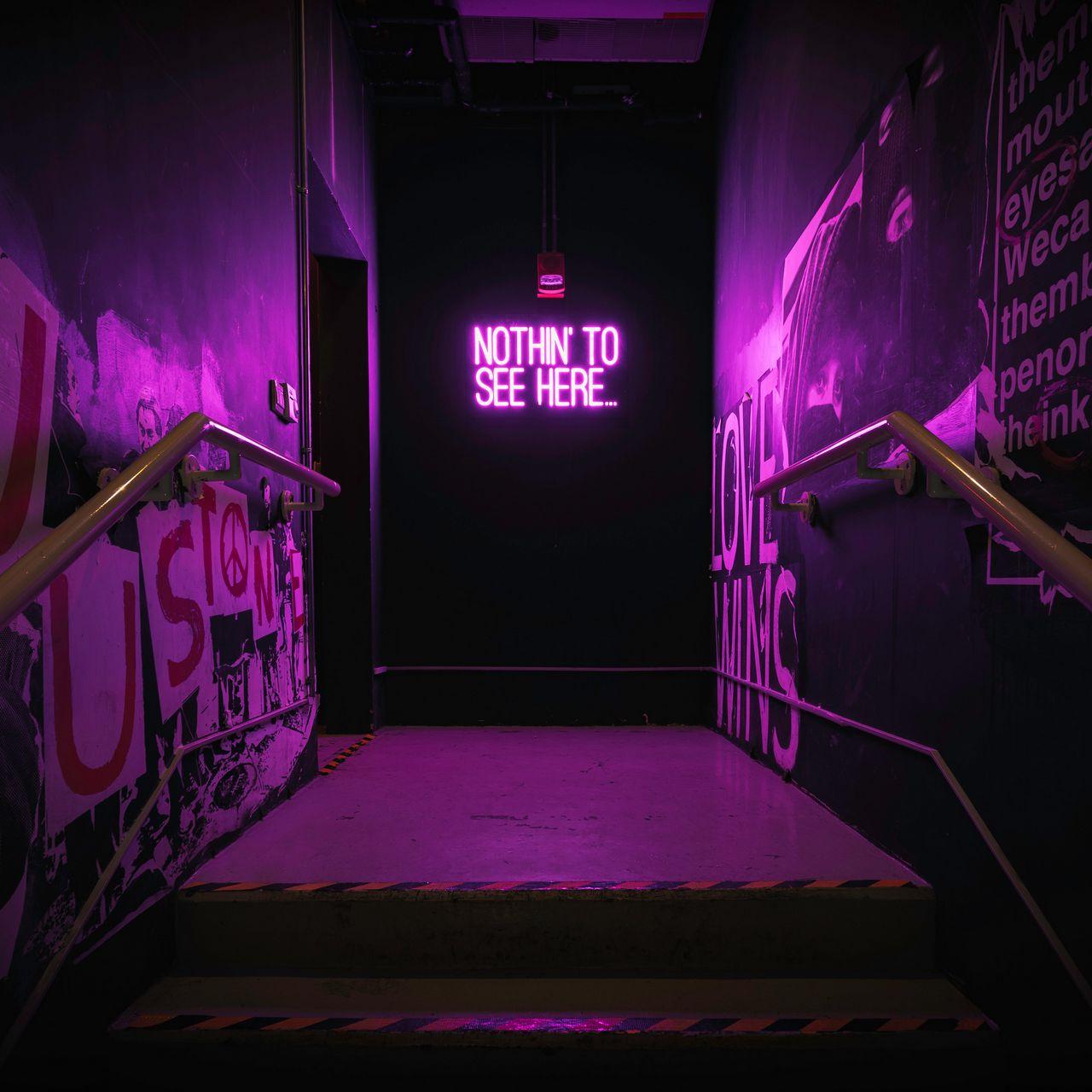 1280x1280 Обои неон, надпись, стена, фиолетовый, подсветка