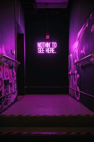 320x480 Обои неон, надпись, стена, фиолетовый, подсветка