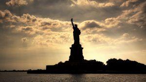 Превью обои new york, statue of liberty, нью-йорк, статуя свободы, река, вечер