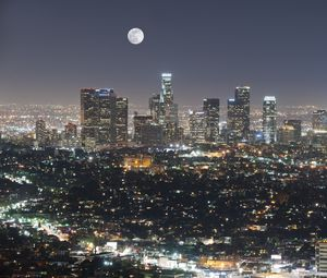 Превью обои ночной город, город, луна, здания, ночь