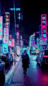 Превью обои ночной город, улица, зонт, человек, вывески, подсветка, неон