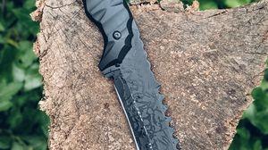 Превью обои нож, оружие, бревно, дерево