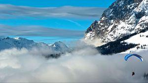Превью обои облака, парашют, горы, небо