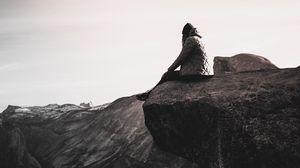 Превью обои обрыв, человек, скала, одиночество