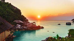 Превью обои океан, горизонт, закат, пляж, растительность
