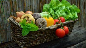 Превью обои овощи, корзина, свекла, редька, зелень