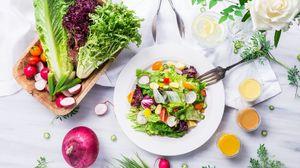 Превью обои овощи, салат, капуста, редис, помидоры, огурец
