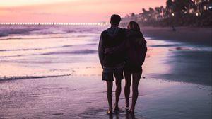 Превью обои пара, объятия, пляж, любовь, романтика