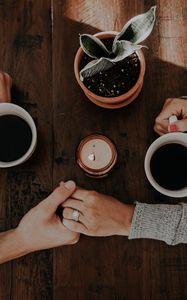 Превью обои пара, руки, любовь, нежность, кофе