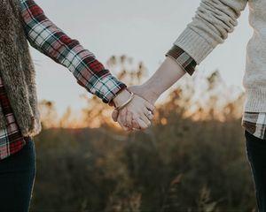 Превью обои пара, руки, нежность