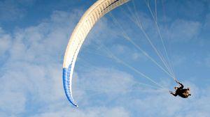 Превью обои парашют, прыжок, полет, спортсмен, небо