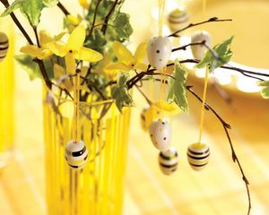 Превью обои пасха, яйца, ветки, ваза, украшение