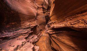 Превью обои каньон, пещера, скала, каменный, рельеф