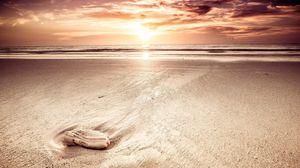 Превью обои песок, море, пляж, небо, свет