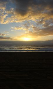 Превью обои пляж, море, солнце, сумерки, пейзаж, темный