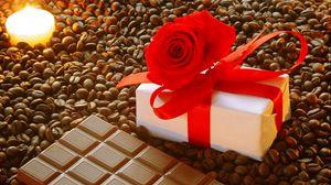 Превью обои подарок, бант, роза, шоколад, кофе, зерна, свеча, романтика, праздник