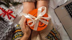 Превью обои подарок, коробка, новый год, рождество, праздники