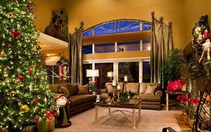 Превью обои праздник, ёлка, новый год, рождество, украшения, дед мороз, санта, подарки, комната, интерьер, стиль, дизайн, мебель, свечи, окно, отражение, новогодний интерьер, елка