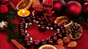 Превью обои праздник, рождество, свечи, подарки, шары