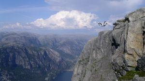 Превью обои прыжок, парашютист, экстрим, падение, обрыв