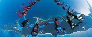 Превью обои прыжок с парашютом, синхронно, красиво