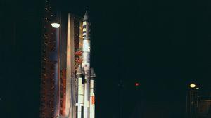 Превью обои ракета, космодром, ночь, свет