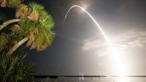 Превью обои ракета, салют, пальмы, море, вечер