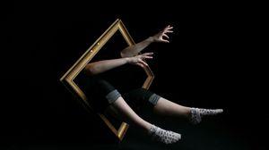 Превью обои рамка, руки, человек, ноги, импровизация, воображение, сюрреализм