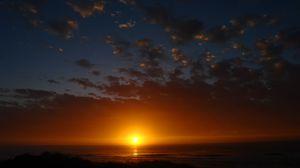 Превью обои рассвет, горизонт, море, небо, облака