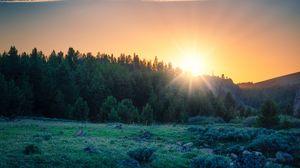 Превью обои рассвет, лес, горы, пейзаж, солнечный свет