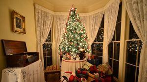 Превью обои рождественская елка, подарки, сани, комната