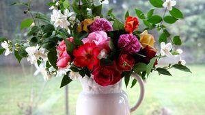Превью обои розы, жасмин, букет, кувшин, поднос, окно, ветки