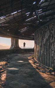 Превью обои руины, человек, одиночество, бузлуджа, болгария