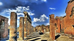 Превью обои руины, колонны, небо, развалины