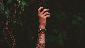 Превью обои рука, татуировки, телефон, часы