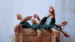Превью обои руки, креатив, фотошоп, странный