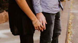 Превью обои руки, пара, любовь, нежность