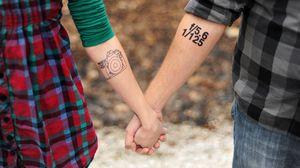 Превью обои руки, татуировки, пара, любовь, тату