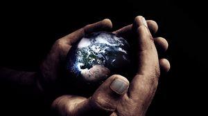 Превью обои руки, темный, планета, ладони