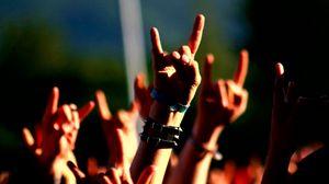Превью обои руки, жест, музыка, концерт
