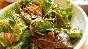 Превью обои салат, листья, соус