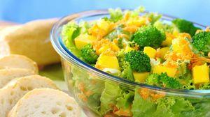 Превью обои салат, овощи, хлеб