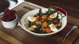 Превью обои салат, овощи, яйца, морковь, ужин