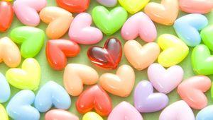 Превью обои сердца, бусинки, разноцветный