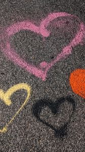 Превью обои сердечки, асфальт, краска, любовь