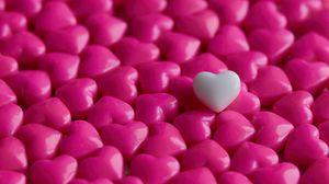 Превью обои сердечки, конфеты, макро, любовь