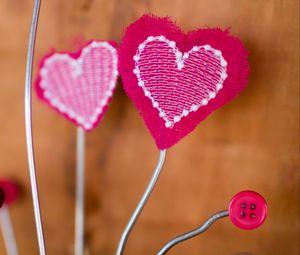 Превью обои сердечко, любовь, ткань, стержень, розовый