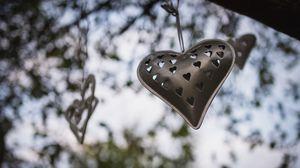 Превью обои сердечко, металл, гирлянда, любовь