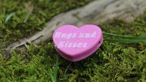 Превью обои сердце, романтика, любовь, надпись, объятия, поцелуи